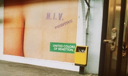 Publicité de Benetton polémique. En 1995, a société italienne Benetton Group et la société suisse United Colors of Benetton Communications ont été condamnés pour leur publicité «HIV positive», diffusée à l'automne 1993